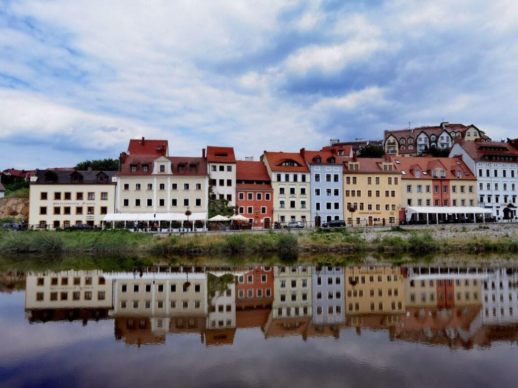Görlitz Sehenswürdigkeiten - der Blick über die Neiße auf Zgorzelec, den polnischen Teil der Stadt