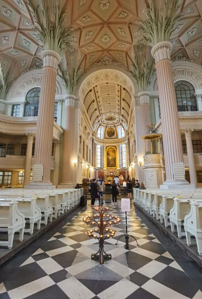 Eine der berühmtesten Leipzig Sehenswürdigkeiten - von der Nicolaikirche ging die Friedensbewegung aus