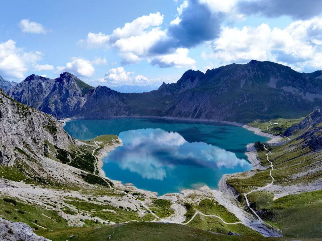Österreich Sehenswürdigkeiten in der Natur: Der Lünersee in Vorarlberg