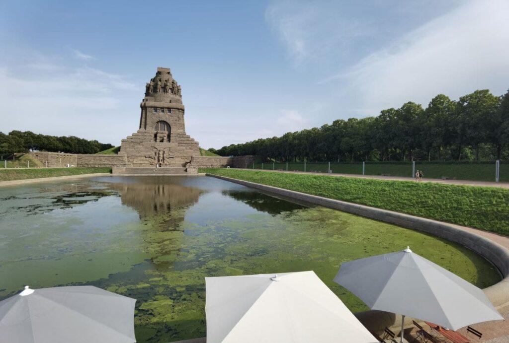 Völkerschlachtdenkmal Leipzig - ein riesiges Monument, das bei keinem Leipzig Ausflug fehlen sollte